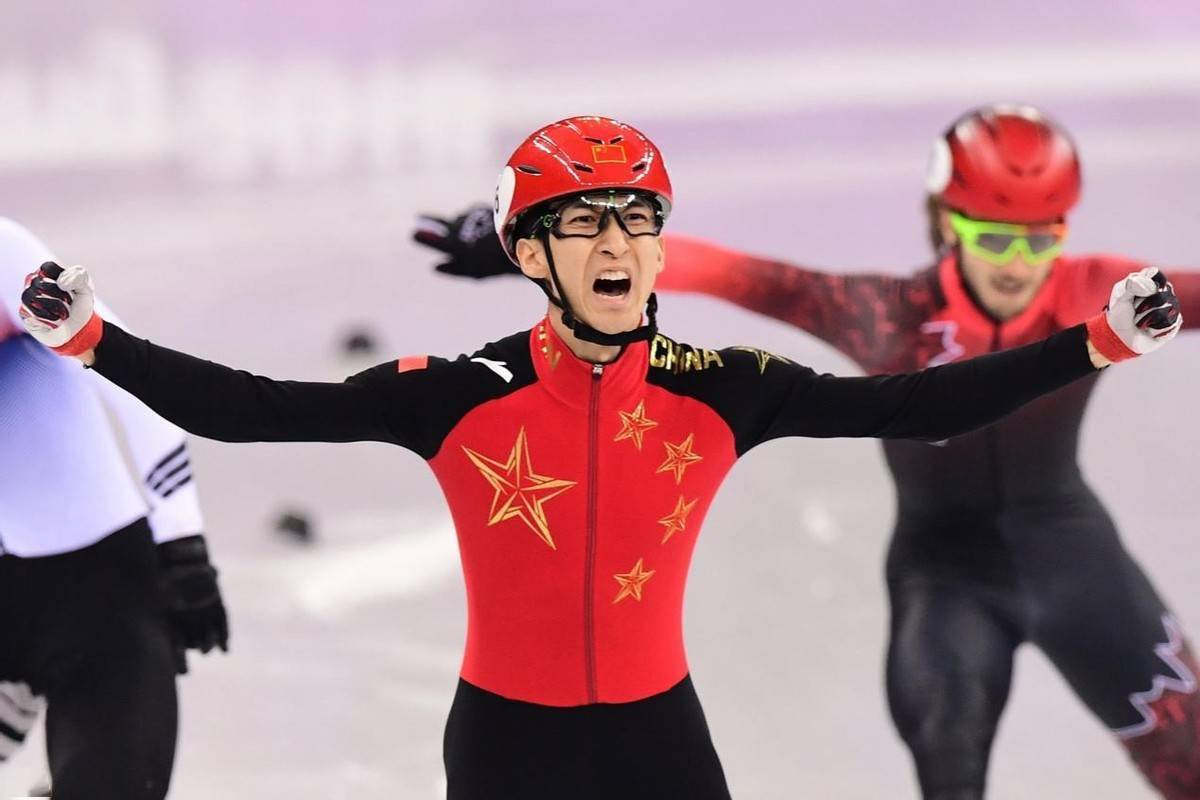 王一博身穿冬奥国旗款官宣首席代言,安踏破圈中国Z世代