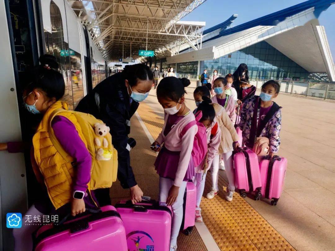 """云南:""""五一""""假期铁路客流持续高位 4"""