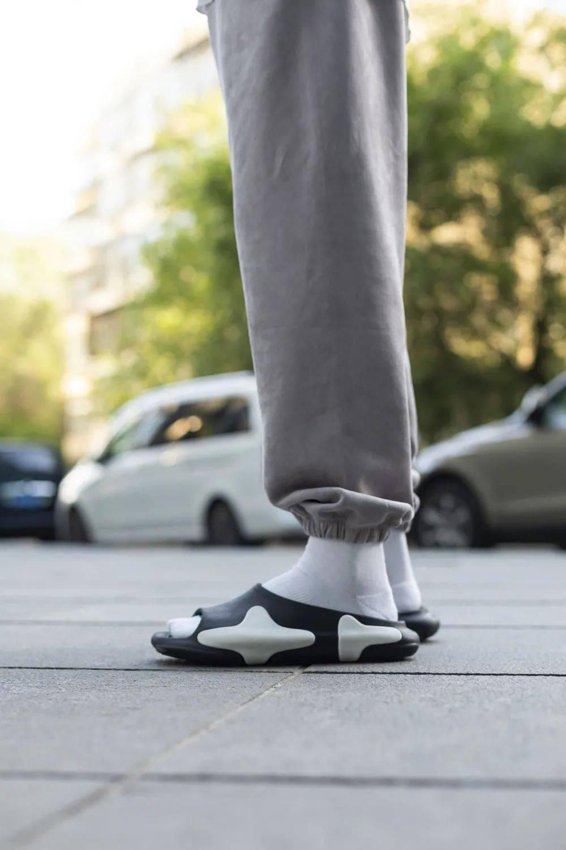 再次秒售罄!「草廠」拖鞋这次发售你抢到了吗?
