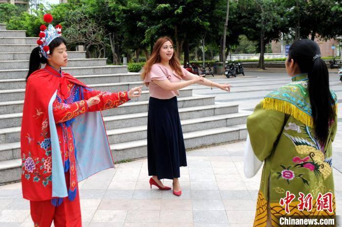 """台籍教师李姿莹:""""我很喜欢这里的闽南文化"""""""