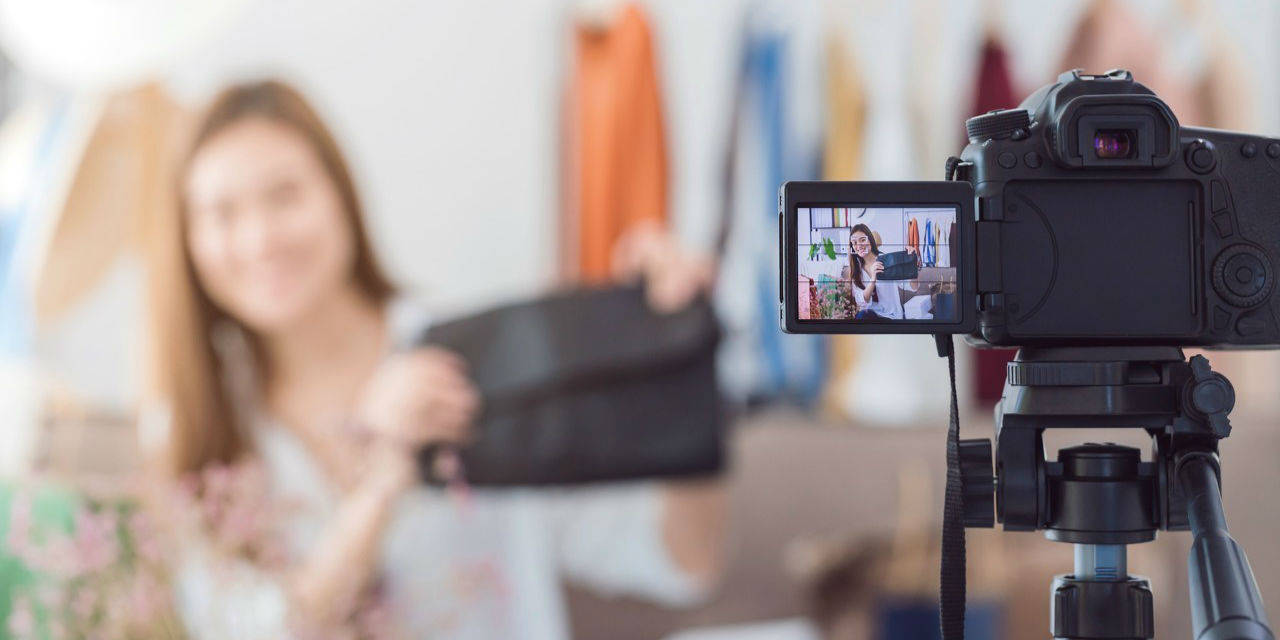 54岁乡村网红直播带货:技术如何赋能农村女性群体?