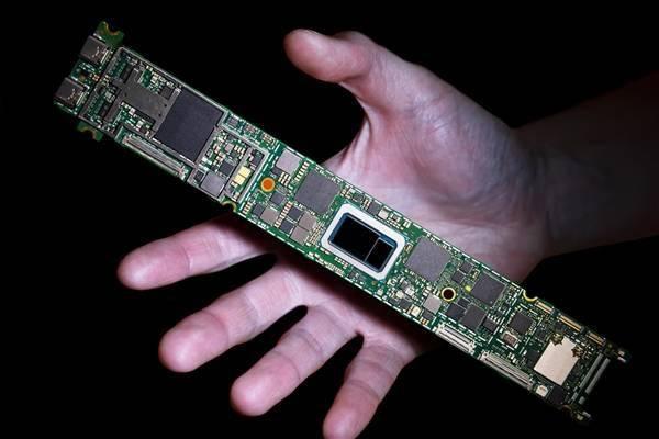 Intel 10nm轻薄本提速:i7-1195G7全核加速频率提高至4.6GHZ,核显频率达到1400MHZ