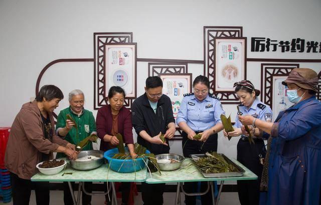 珲春:社区党建联盟开展警地联谊活动