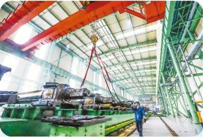 中国经济半年报引世界关注(国际论道)