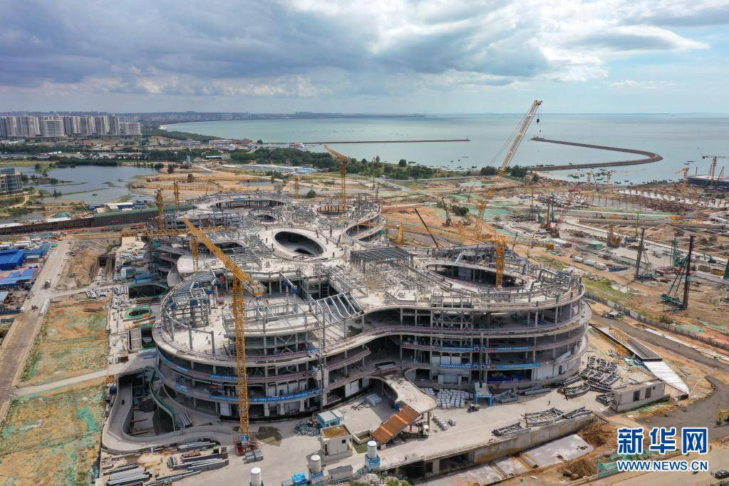 海口国际免税城免税商业中心主体结构完工