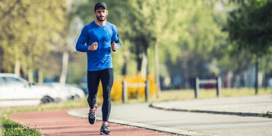 30万人跟着他实现了PB:世界最佳跑步教练的12条黄金法则