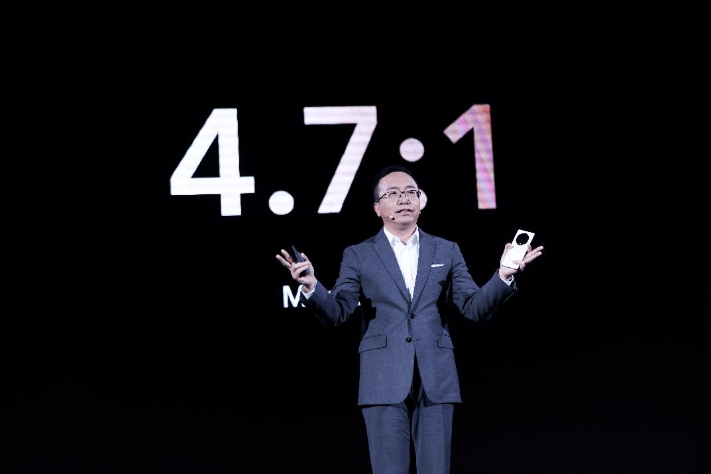 荣耀发布多主摄融合计算摄影技术,手机市场份额提升至16.2%