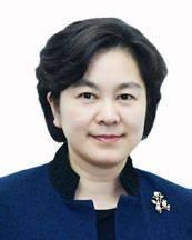 华春莹任外交部部长助理(图|简历)